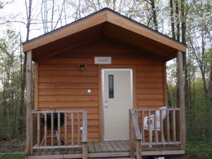 Attirant Blue Bird And Happy Trails Cabin