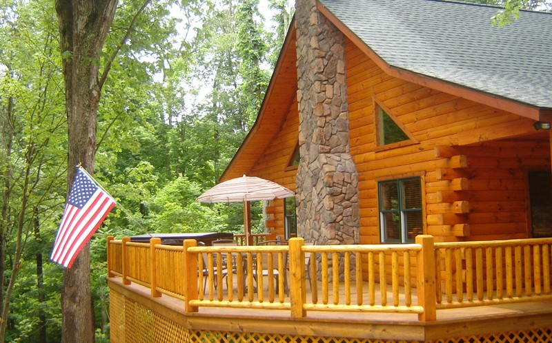 Superieur Built In June Of 2009, The Shamrock Cabin Is Essentially Brand New And Is  Truly Beautiful. The Shamrock Sleeps 6...offering 2 Queen Beds And 1 Pull  Out ...