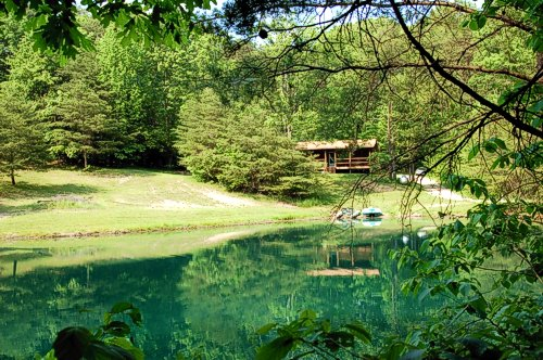 Paradise Cabin, private, secluded getaway cabin in Hocking